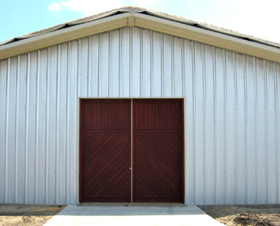 Texas Timber Wolf workshop construction - Barn Doors Closed.