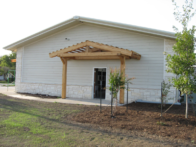 Texas Timber Wolf workshop construction - Siding completed.