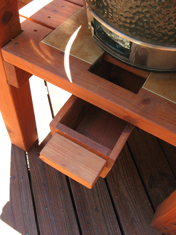 Patio Cover And Deck Add An Ideal Outdoor Living E Redwood Bbq Table For Bg Green Egg